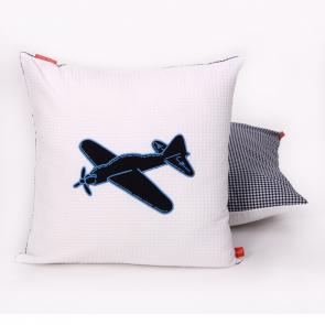 Little Tulip eco sierkussen vliegtuig voertuigen dekbed plane bed blauw wit marine babykamer meisje jongen unisex babyuitzet kinderkamer steigerhout woonkamer woonaccessoire accessoire