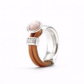 Ring Gwen naturel leer met bleek roze bolle steen