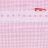 Laken in roze ruit met kant